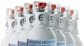 LIV oxygen cylinders arranged in a pyramidal shape